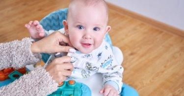 Trotteur bébé a quel âge commencer
